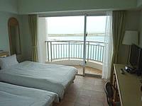 石垣島のホテルイーストチャイナシー - 客室は結構広々しています