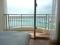 石垣島のホテルイーストチャイナシー - このバルコニーがなかなか良い