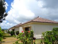 石垣島のフサキリゾートヴィレッジ - 赤瓦のコテージ的な客室