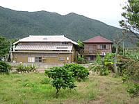 石垣島の月桃の宿 あかいし - 周辺にはこの2棟しかないので目立っています