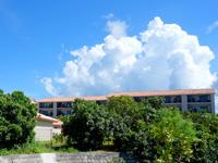 石垣島のグランヴィリオリゾート石垣島ヴィラガーデン/ルートイン石垣舟蔵コテージ - コテージは少数で多くはマンション型