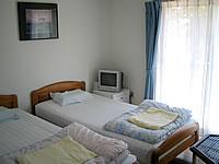 石垣島の民宿花城 - 洋室はこんな感じ