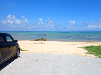 石垣島の伊野田キャンプ場 - 施設のすぐ裏は海&ビーチ