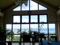 石垣島の民宿あしび島 - 2階の食堂からの景色は抜群!
