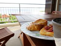 石垣島の民宿あしび島 - 朝食はなかなか良いし景色も最高