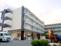 石垣島のホテル海邦石垣島/ホテルKAIHO石垣島 - もともと老人ホームだった建物を活用