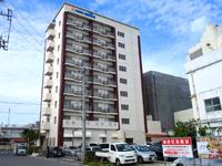 石垣島のホテルミヤヒラ新館/美崎館 - 美崎町側から見た外観