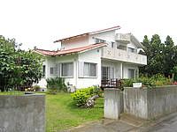 石垣島の民宿 月うさぎ - 川平の山側集落にあります