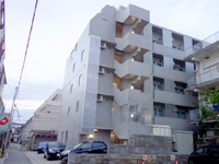 石垣島のホテルWBFマルシェ石垣島/ホテルWBF公設市場 - 客室によっては住宅が目の前