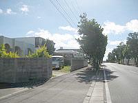 石垣島の民宿ザーバル - 幹線道路沿いにあります