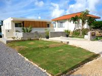 石垣島のアイランドヴィレッジ石垣島 - すぐ隣に同じような宿がある