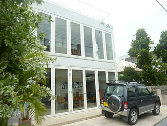 石垣島のIZM/イズムイシガキツーリストハウス