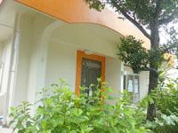 石垣島の宿まりんはうす - この扉が宿の入口だと推測