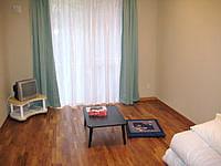 石垣島の民宿明石 - 部屋はきれいだが板間に布団はちょっと・・・