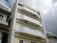 石垣島のなりわホテル - 建物の間口はかなり狭め