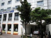 石垣島のホテルピースランド石垣島 - 1階入口横には居酒屋があります