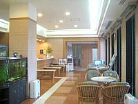 石垣島のホテルルートイングランティア石垣 - 西館のロビー&フロント
