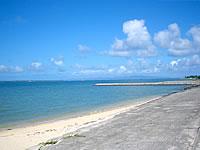 石垣島のロイヤルマリンパレス - ホテル前の海は防波堤がほとんど