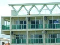 石垣島の民宿竜馬の宿(閉館・賃貸アパートへ) - 賃貸不動産会社の看板有り