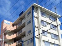 石垣島のスカイマンション石垣島(ブルーシーナリ真栄里) - 建物名は「ブルーシーナリ真栄里」?