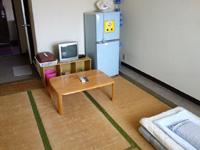 石垣島のすどまり館 - 和室はかなり広く大きな冷蔵庫有り