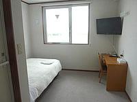 石垣島のホテルチューリップ石垣島 - 客室は質素だけど意外と広い