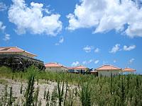 石垣島のYugafu-Yamabare/ゆがふ山原 - 段壇上にコテージがあります