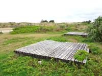 喜界島の空港臨海公園キャンプ場/スギラビーチキャンプ場 - デッキがあるけどサイトは指定?