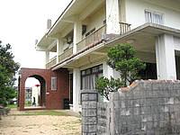 小浜島の民宿みやら - 本来の入口はかなりわかりにくい