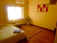 小浜島のゲストハウス パナパナ - バス・トイレ共同の客室です