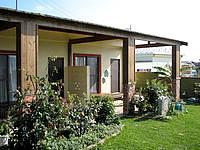 小浜島のゲストハウス パナパナ - バス・トイレ付きの部屋には専用のデッキも