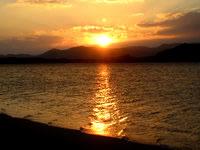 小浜島のゲストハウス パナパナ - 西向きの宿なので夕日がとてもきれい