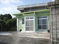 古宇利島のペンションコーラル - ごくごく一般的な民家風の建物