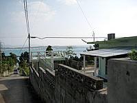古宇利島のペンションコーラル - 坂の途中にあるので景色はなかなか良い感じ