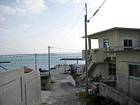 古宇利島の民宿しらさ - 海(港)が目の前です