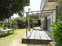 久高島の民宿ニライ荘 - いい感じの庭があってのんびりできそう