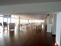 久米島の久米島イーフビーチホテル - ロビー横にレストランがあります