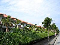 久米島のリゾートホテル久米アイランド(旧 ホテル日航久米アイランド) - 海側にある低層棟
