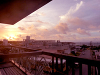 久米島のラ・ティーダ久米島テラス - 客室から朝日は1年を通して望めます