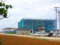 来間島の来間島リゾートプロジェクト(事業主:飯田産業) - 来間島一番の大きな建物?
