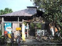 黒島のイリムティア/イリムティヤ/民宿西表屋(閉館) - 以前の廃墟(現在は無くなっています)