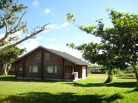 黒島の黒島マリンビレッジ(閉館) - こんな感じで自然豊かな環境の中にあります