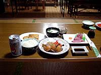 黒島の民宿みやき荘 - 食事はなかなか美味しいです