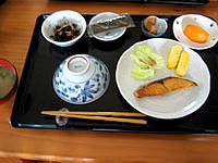 黒島の民宿なかた荘 - 朝食はこんな感じでまぁまぁかな