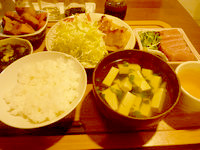 南大東島の民宿金城(閉館) - 夕食は美味しくボリュームも満点