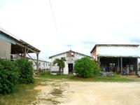 南大東島の民宿きらく家(きらく家グループ) - 幹線道路から奥まった場所にあります