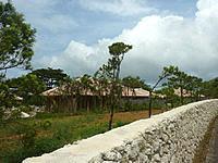 宮古島のかたあきの里 - 広い敷地にコテージ的に建物があります