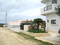 宮古島のここみ家 - 舗装されていない道路沿いにあります