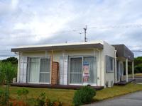 宮古島のゲストハウスBo-Ra/キッチンぼーら - レストランの裏が宿って感じ