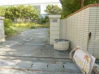 宮古島のゲストハウス ファミリア - 奥の奥にある宿の入口